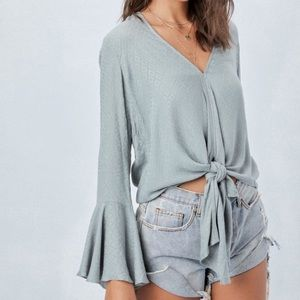 Ellison Rd. Boutique *Kiss and Bell Sleeve Top*